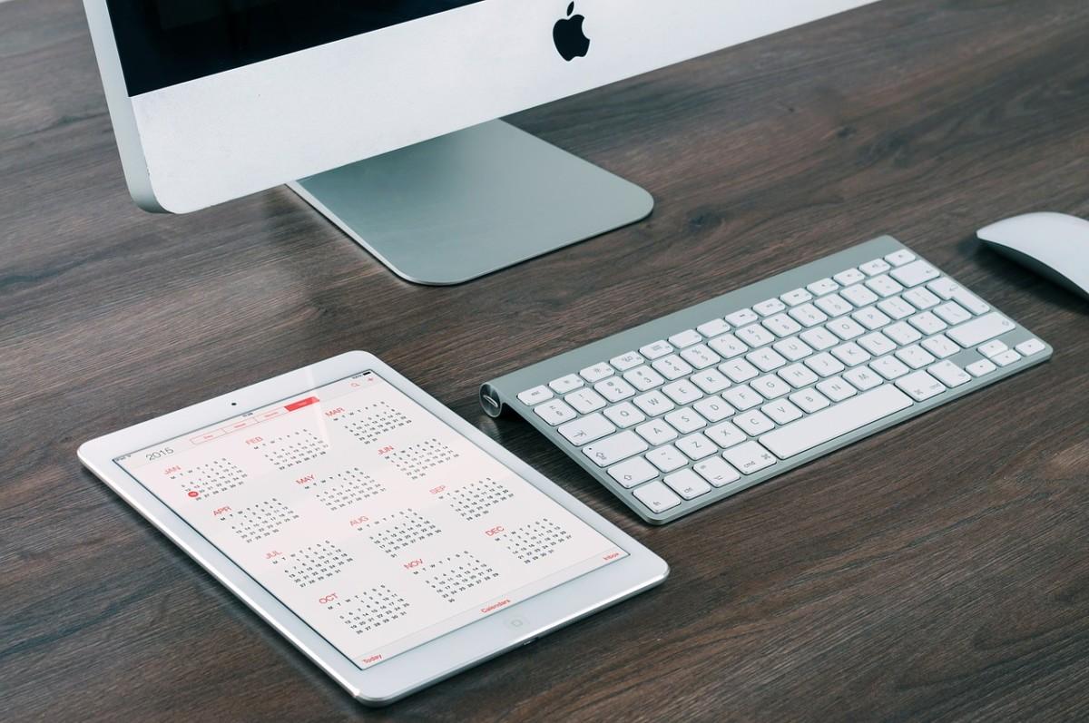 Calendar iPad Mac keyboard and mouse